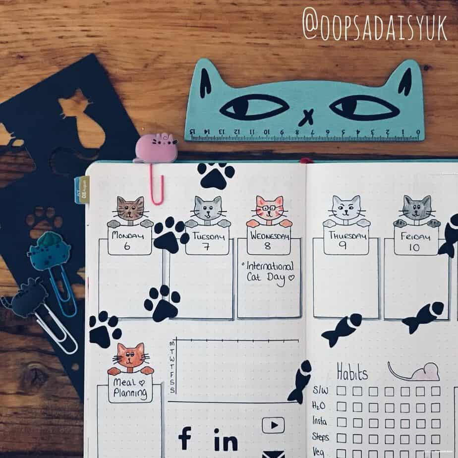 15 Stunning Fall Bullet Journal Theme Ideas, spread by @oopsadaisyuk | Masha Plans