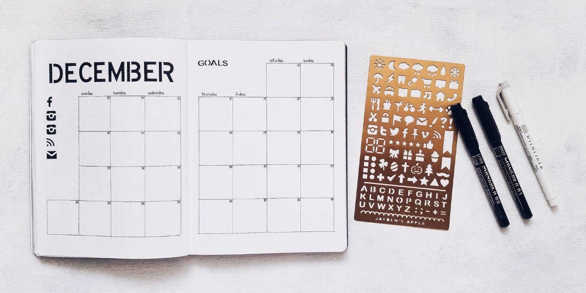 Bullet Journal Pages To Organize Your Blog - Monthly Editorial Calendar | Masha Plans