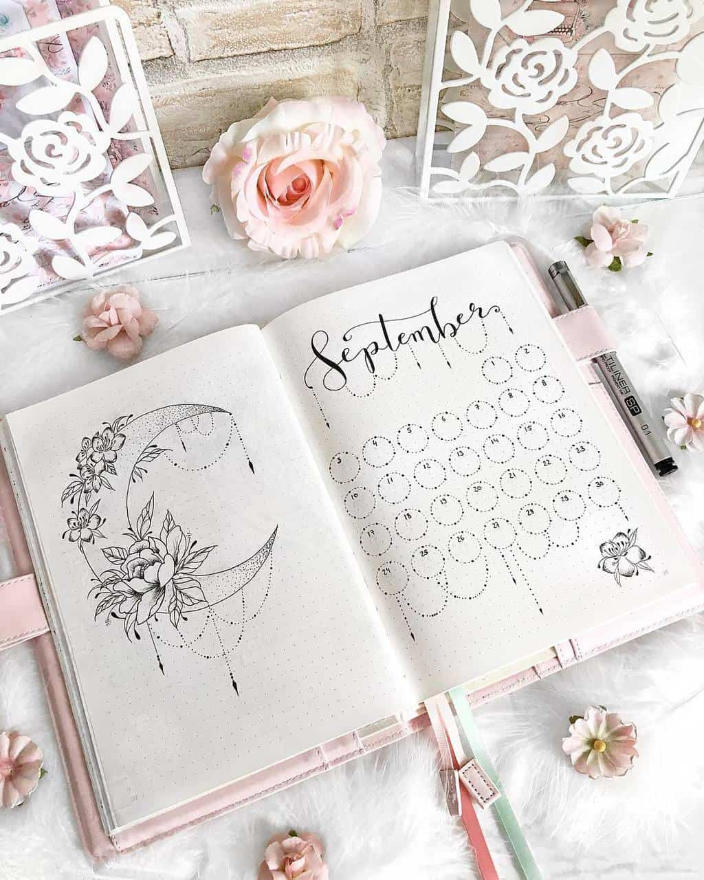 Boho Bullet Journal Theme Inspirations - spread by @bella_rica_design | Masha Plans