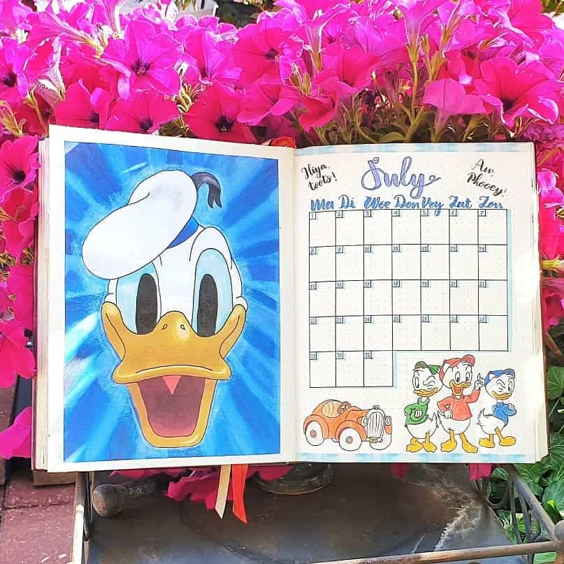 Disney Bullet Journal inspirations - monthly log by @daphne_creating | Masha Plans