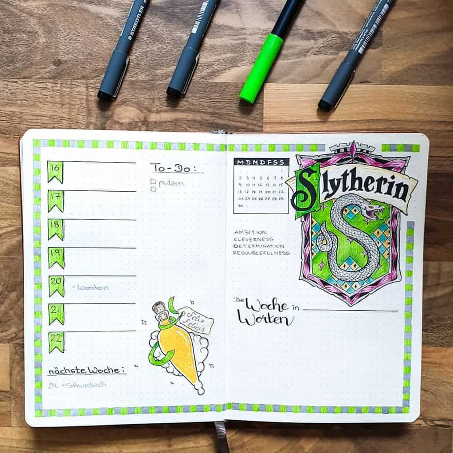 Harry Potter Bullet Journal Theme Inspirations - weekly spread by @punkyjournal | Masha Plans