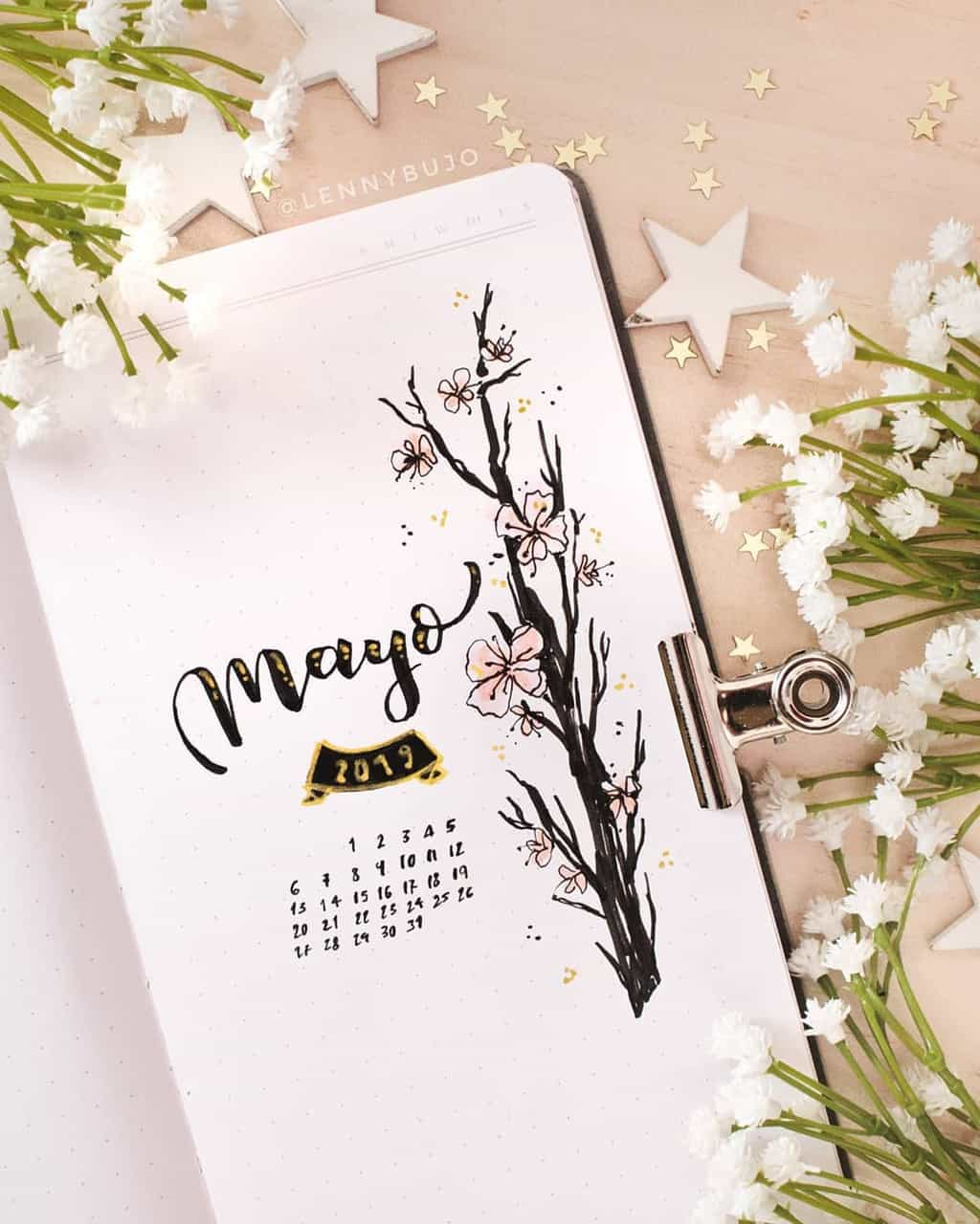 Spring Bullet Journal Theme Ideas - cover page by @lennydoesthings | Masha Plans