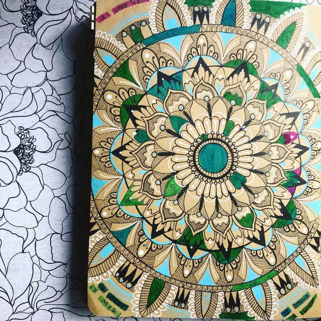 Mandala Bullet Journal Mood Tracker by @wendy_bean_ | Masha Plans