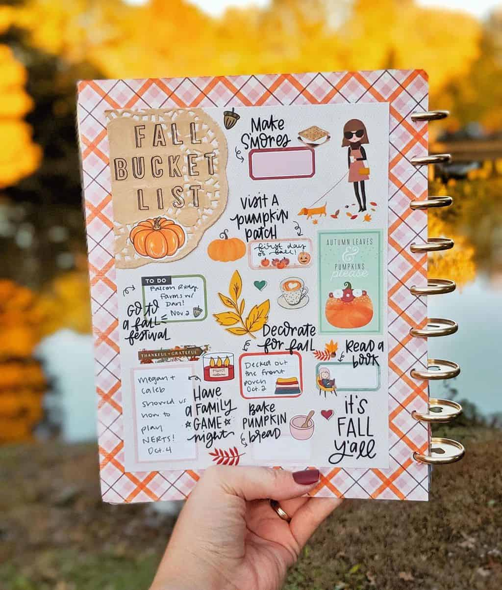 31 Fall Bucket List ideas and Bullet Journal Inspirations - spread by @sparkleadventures   Masha Plans