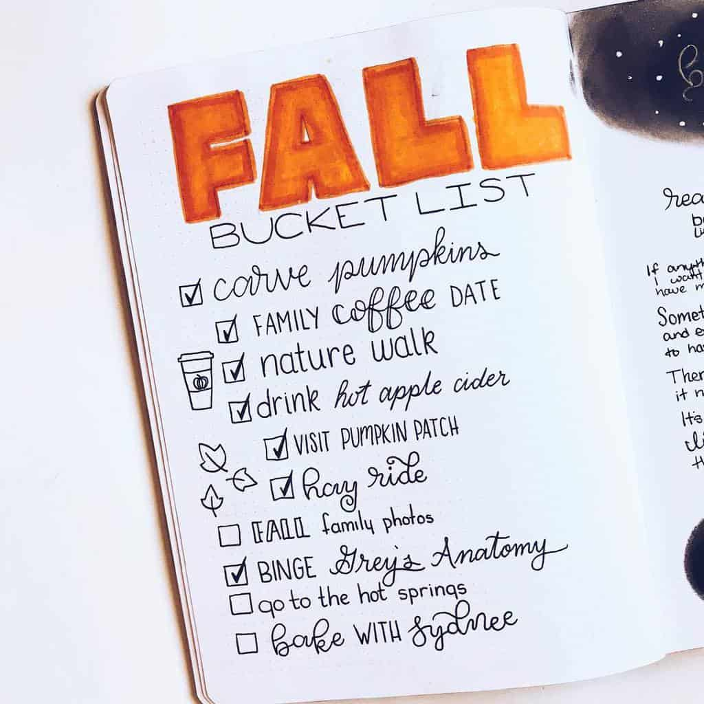 31 Fall Bucket List ideas and Bullet Journal Inspirations - spread by @the.petite.planner | Masha Plans