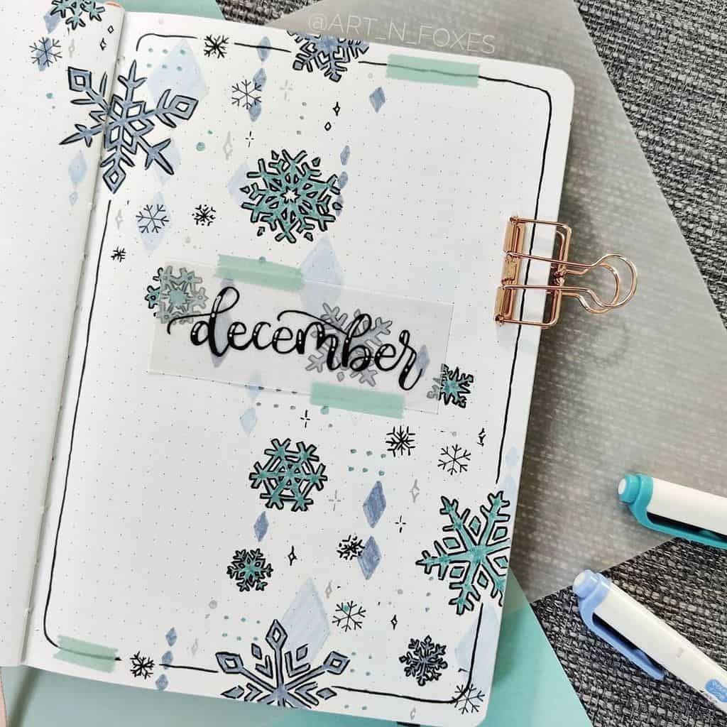 Winter Bullet Journal Theme Ideas, cover page by @art_n_foxes | Masha Plans